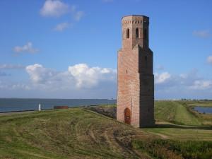 1.-Voorkeur-Plompe-Toren-restant-van-het-verdronken-Zeeuwse-dorp-Koudekerke.-Foto-Ton-de-Meulmeester